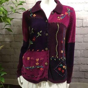 💙 SALE! 3/$15 Magenta soft floral medium sweater